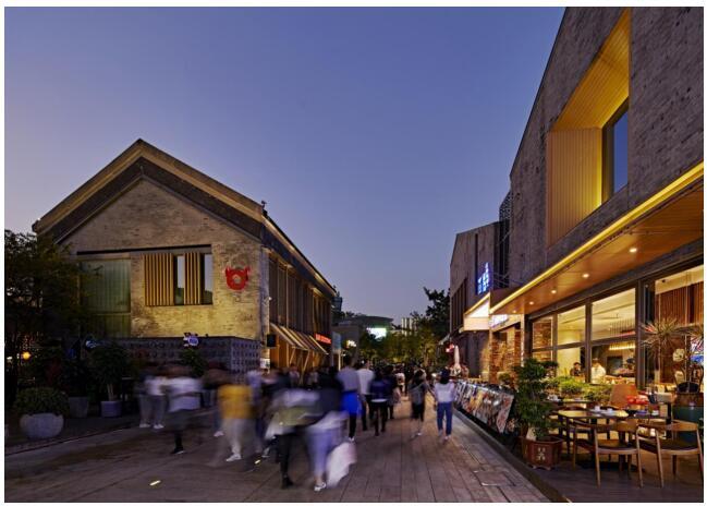 光影点亮城市客厅,十年成就欢乐海岸
